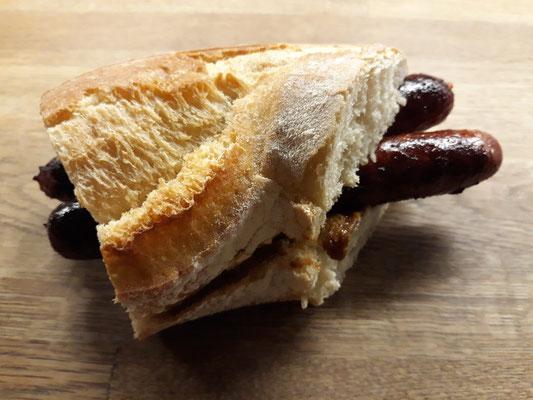 """Merguez vom Fleischer für eigene """"Hot-Dogs"""""""