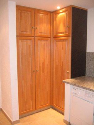 Einbauschrank im Küchenbereich