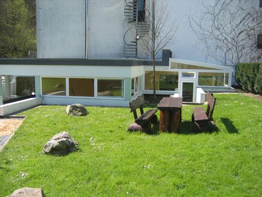 Wintergarten im Schwimm - und Saunabereich eines Hotels