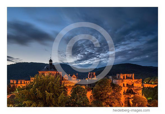 Archiv-Nr. hc2013144 / Schloss in der Dämmerung