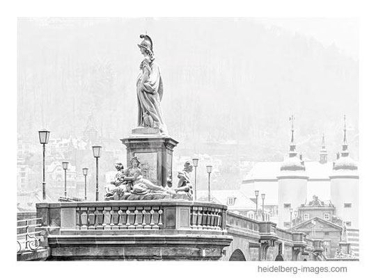 Archiv-Nr. h2013107 / Heidelberg, Minerva-Denkmal im Schnee