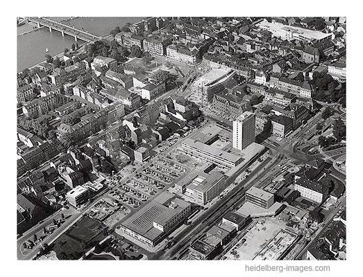 Archiv-Nr.  L10_254 / Menglerbau und Bismarkplatz 1961