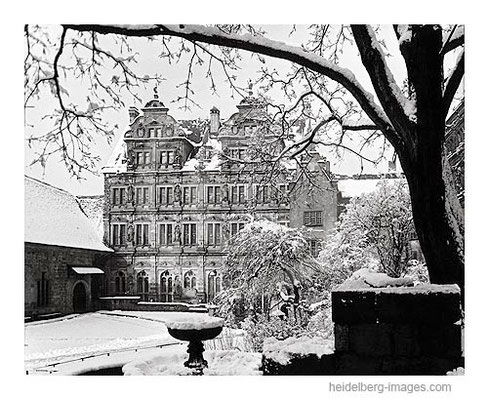 Archiv-Nr. h3/58 Schlossinnenhof im Winter