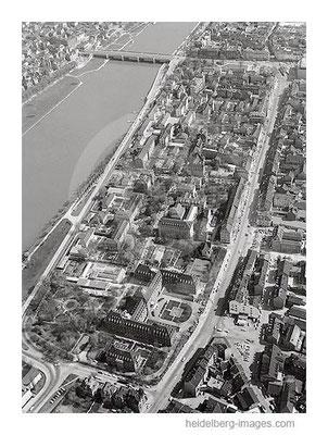 Archiv-Nr. L10_642 / Luftbild des Altklinikums in Bergheim 1964