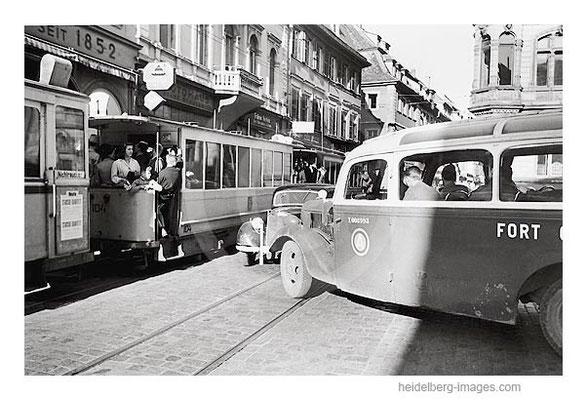 Archiv-Nr. h4530_17 / Verkehrschaos in der Hauptstrasse