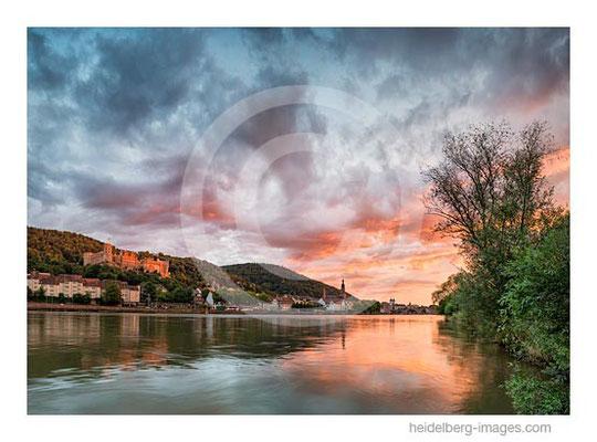 Archiv-Nr. hc2014154 / Heidelberg, Abendrot über dem Neckar und der Altstadt