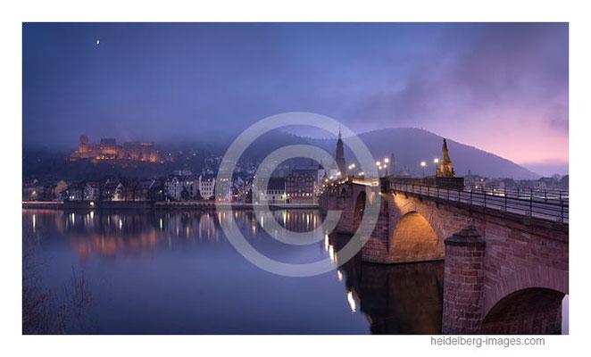 Archiv-Nr. hc2019141 / Winterabend auf der alten Brücke