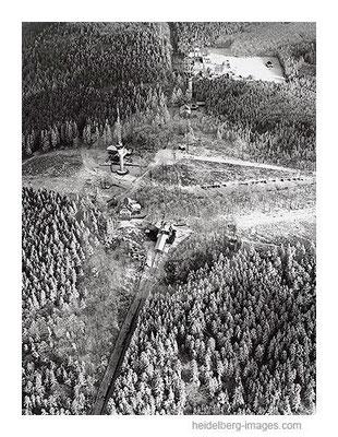 Archiv-Nr. L10_375 / Luftbild vom Königstuhl im Winter 1961
