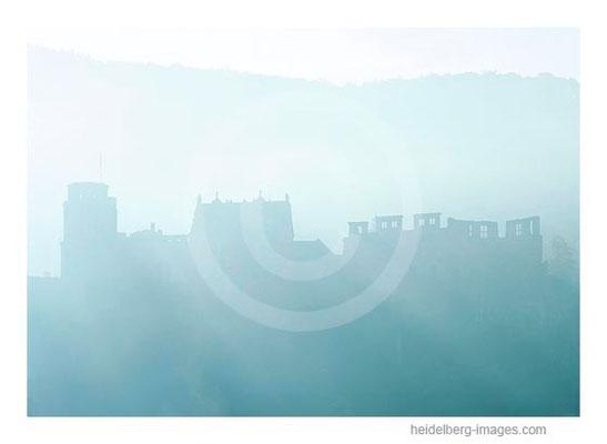 Archiv-Nr. hc99134 / Schloss-Silhouette im Morgenlicht
