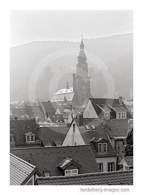 Archiv-Nr. h2000147 / Heiliggeistkirche und Altstadtdächer