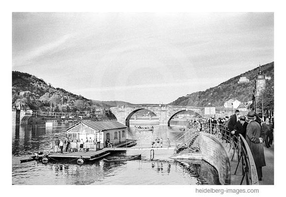Archiv-Nr. h4563-14 / Bootsverleih an der Alten Brücke