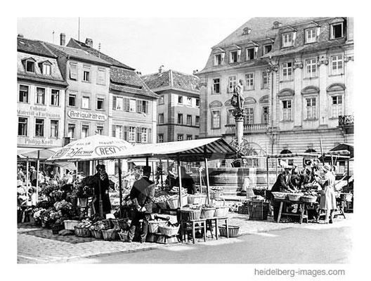 Archiv-Nr. hr252 / Wochenmarkt vor dem Alten Rathaus