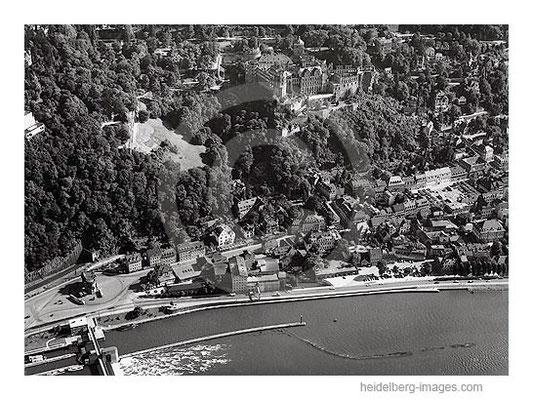 Archiv-Nr.  L10_328 / Schloss und Karlstor aus der Luft 1961