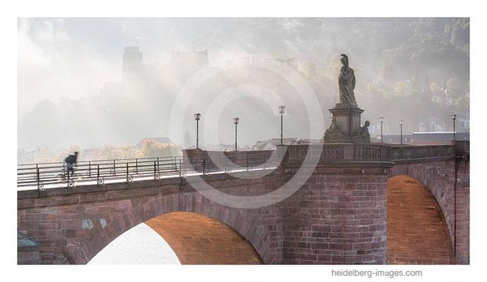Archiv-Nr. hc2017141 / Morgenstimmung an der Alten Brücke