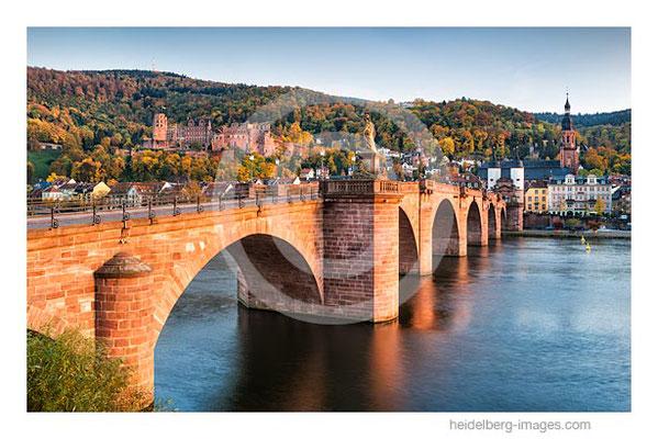 Archiv-Nr. hc2015159 / Alte Brücke und Altstadt im Herbst