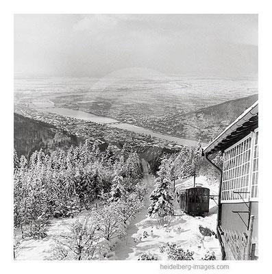 Archiv-Nr. 12_3H / Heidelberg, Bergbahn im Winter