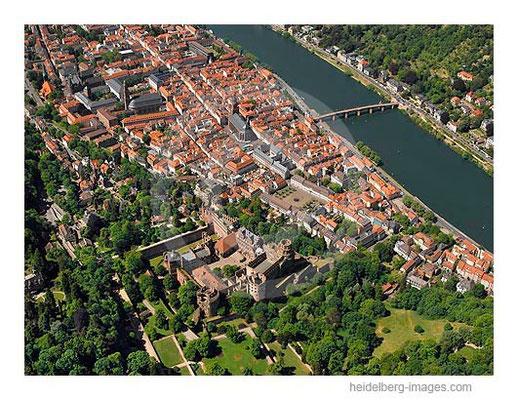 Archiv-Nr. lc10_6835 | Luftbild vom Schloss und der Altstadt mit Neckar