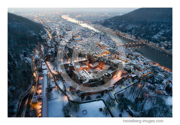 Archiv-Nr. hc2021131 |  Winter auf dem Schlossberg - Luftbild in der Dämmerung