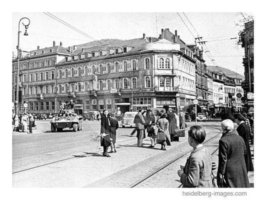 Archiv-Nr. hr226 / Panzer auf dem Bismarckplatz