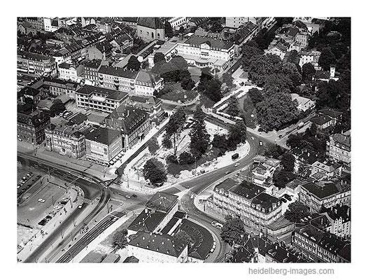 Archiv-Nr.  L10_84 / Bismarkplatz und Arkaden 1959 aus der Luft