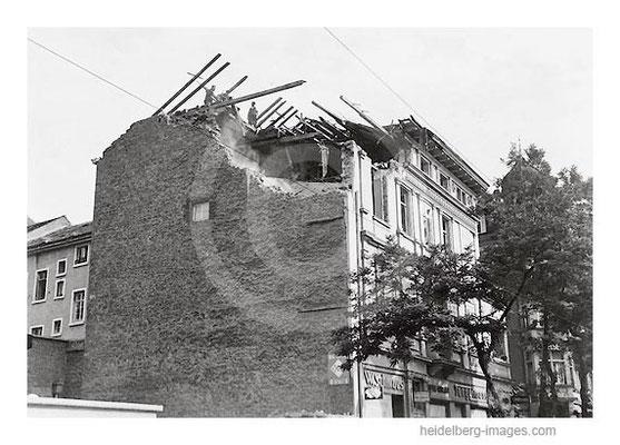 Archiv-Nr. hr140 / Zerstörtes Haus in der Rohrbacher Strasse