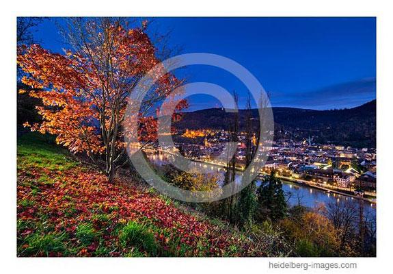 Archiv-Nr. hc2013184 / Herbststimmung und Altstadtblick