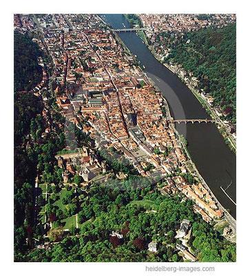 Archiv-Nr. lc10_6328 / Schloss und Altstadt aus der Luft