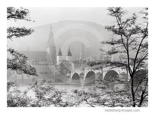 Archiv-Nr. h2007180 / Alte Brücke und Heiliggeistkirche