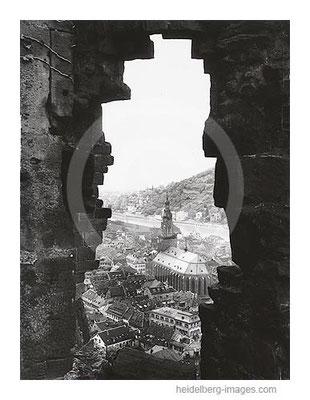 Archiv-Nr. 4561H / Mauerdurchblick auf Heiliggeistkirche