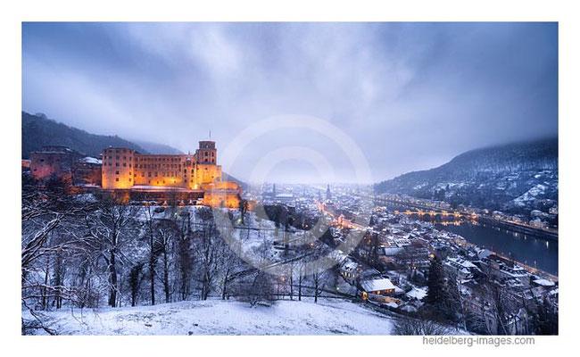 Archiv-Nr. hc2021118 |  verschneites Schloss von der Scheffelterasse aus