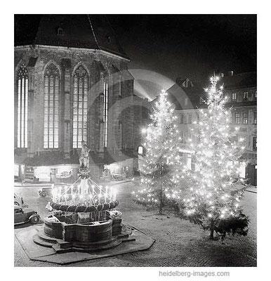 Archiv-Nr. h19/2 Weihnachtsbäume auf dem Marktplatz vor der Heiliggeistkirche