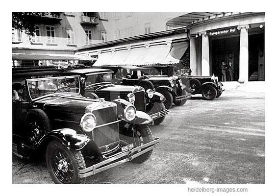 Archiv-Nr. 60HR / Autofuhrpark vor dem Europäischen Hof