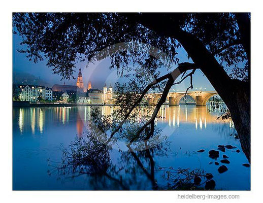 Archiv-Nr. hc2009234 / Ufer und Alte Brücke bei Nacht