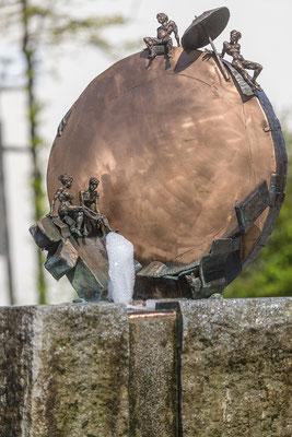 SONNE UND STRAND, Bronze/Granit, 180 cm Höhe, 2014