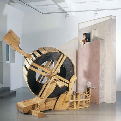 AMOR FATI, Eiche/Stahl, 400x360x180 cm, 2006