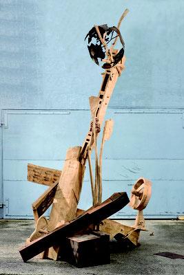 ÜBERHITZT, Eiche/Stahl, 450x250x120 cm, 2005