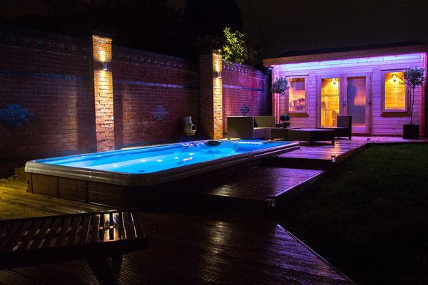 Swim Spas mit beleuchtung bei Nacht