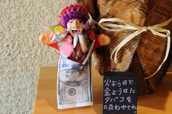 願い事を叶えてくれるというエケコ人形もいます(笑)