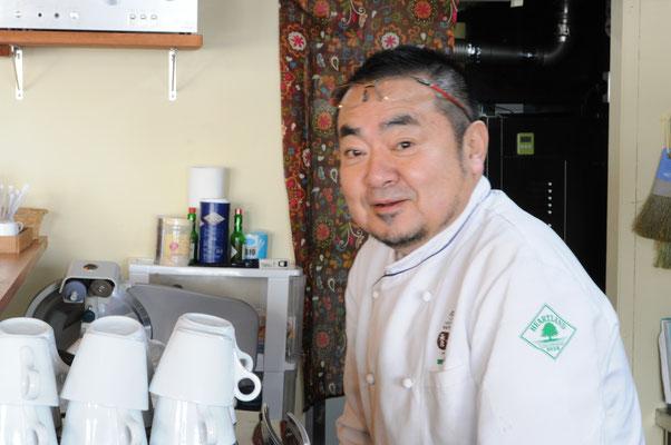 陽気なオーナー和泉秀一郎さん。