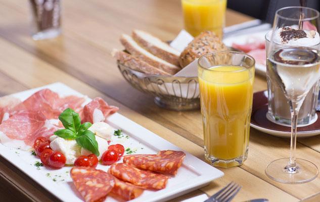 Frühstück im cafe trattoria adoro