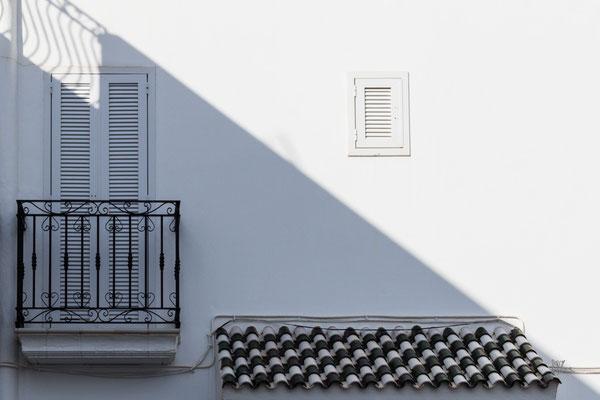 Shadow on the wall - Mojacar - (2019)
