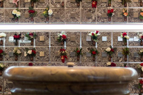 Le urne cinerarie, Chiesa di San Lorenzo