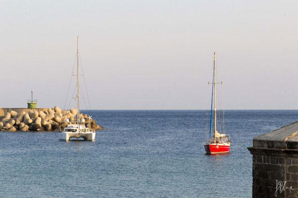 Corte di un catamarano a una barca