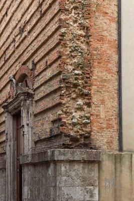 Il muro spezzato - (Montepulciano 2014)