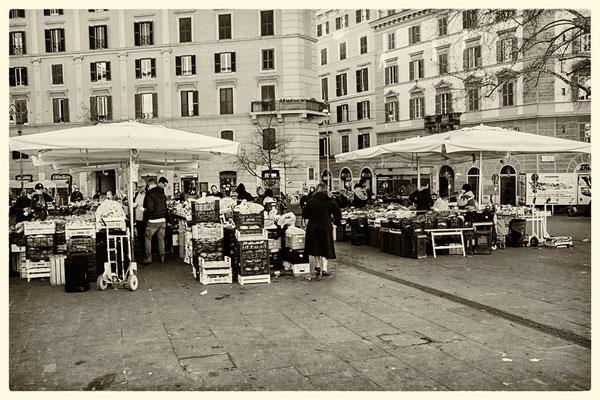 Mercatino a Piazza San Cosimato