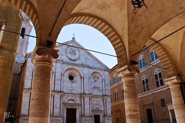 Pienza - La Chiesa - (2012)
