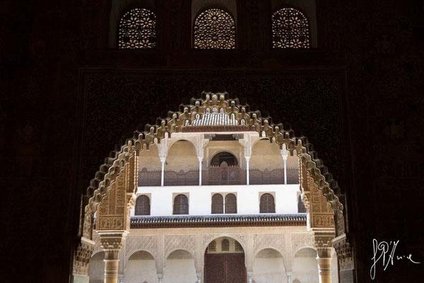 L'Alhambra - El Patio de los Arrayanes