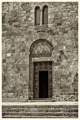 Portale della Chiesa di San Pietro