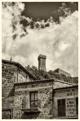 La Fortezza vista da Piazza San Pietro