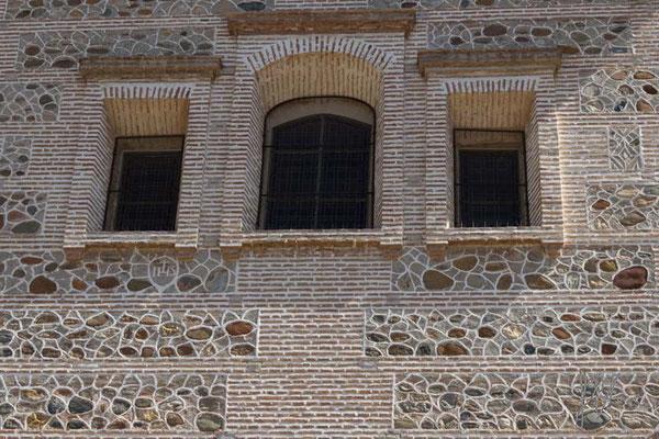 Stones and Windows - Granada  - (2014)